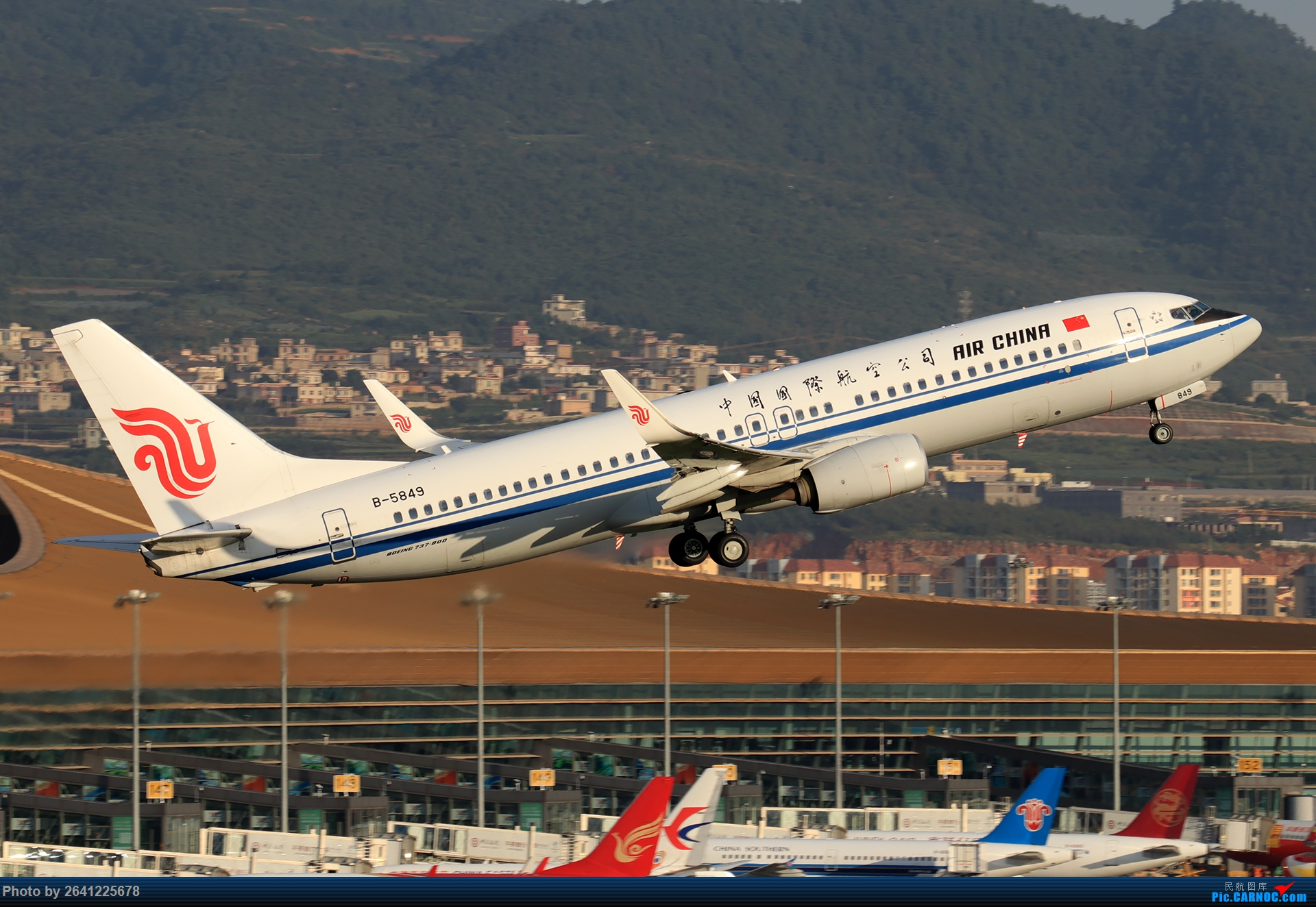 Re:[原创]【KMG】又见长水(3)——晴天西跑,你们要的宽体都在这了(图略多,看官慢慢看) BOEING 737-800 B-5849 中国昆明长水国际机场