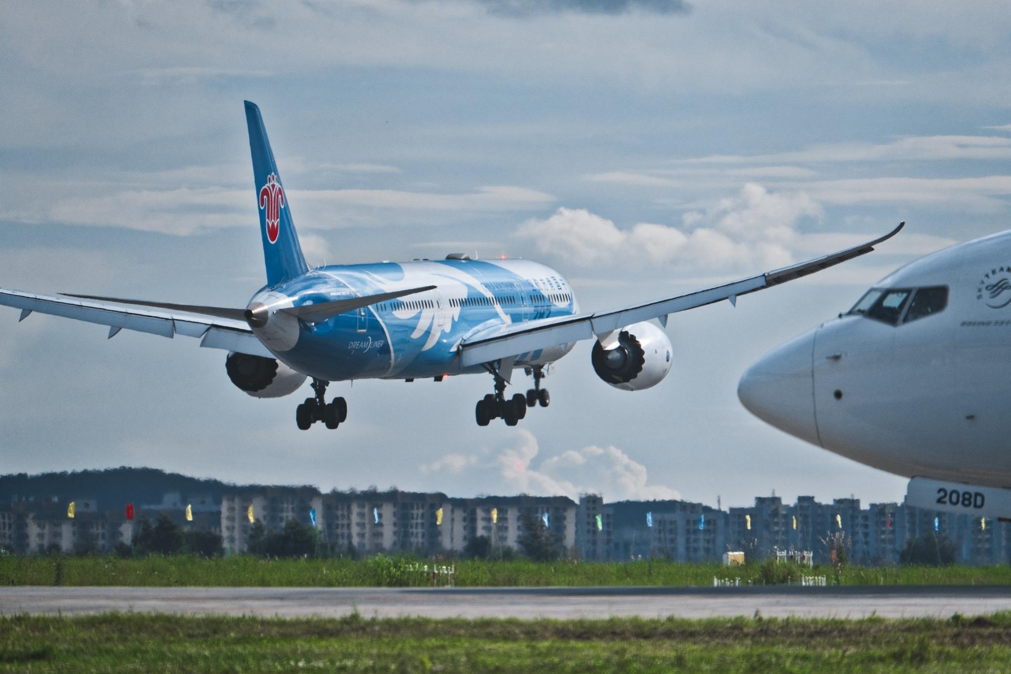 Re:[原创]仁者乐水 长假乐长水 BOEING 787-9 B-1242 中国昆明长水国际机场