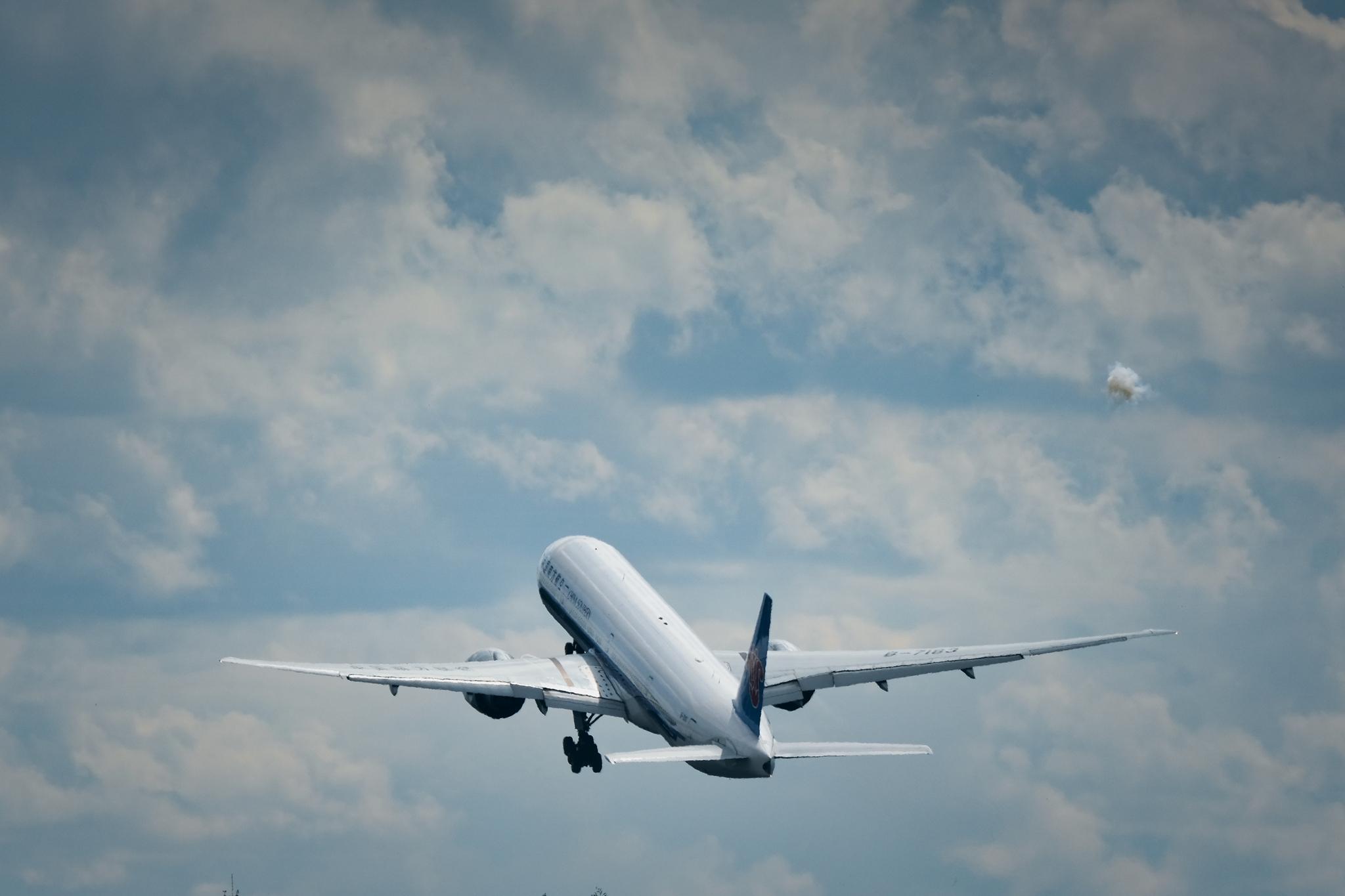 Re:【KMG】777-由我天地宽 BOEING 777-300ER B-7183 中国昆明长水国际机场