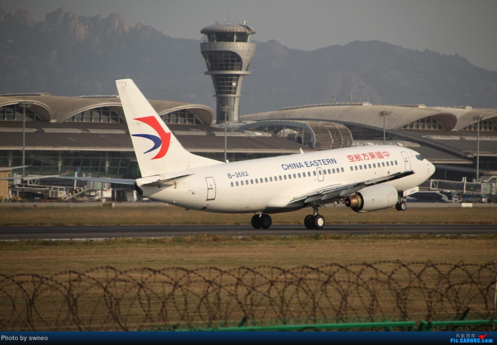 拉起! BOEING 737-700 B-2682 中国青岛流亭国际机场