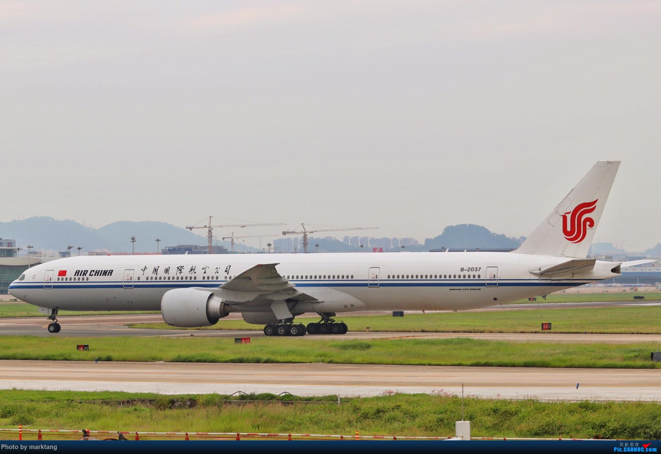 CA77W BOEING 777-300ER B-2037 中国深圳宝安国际机场