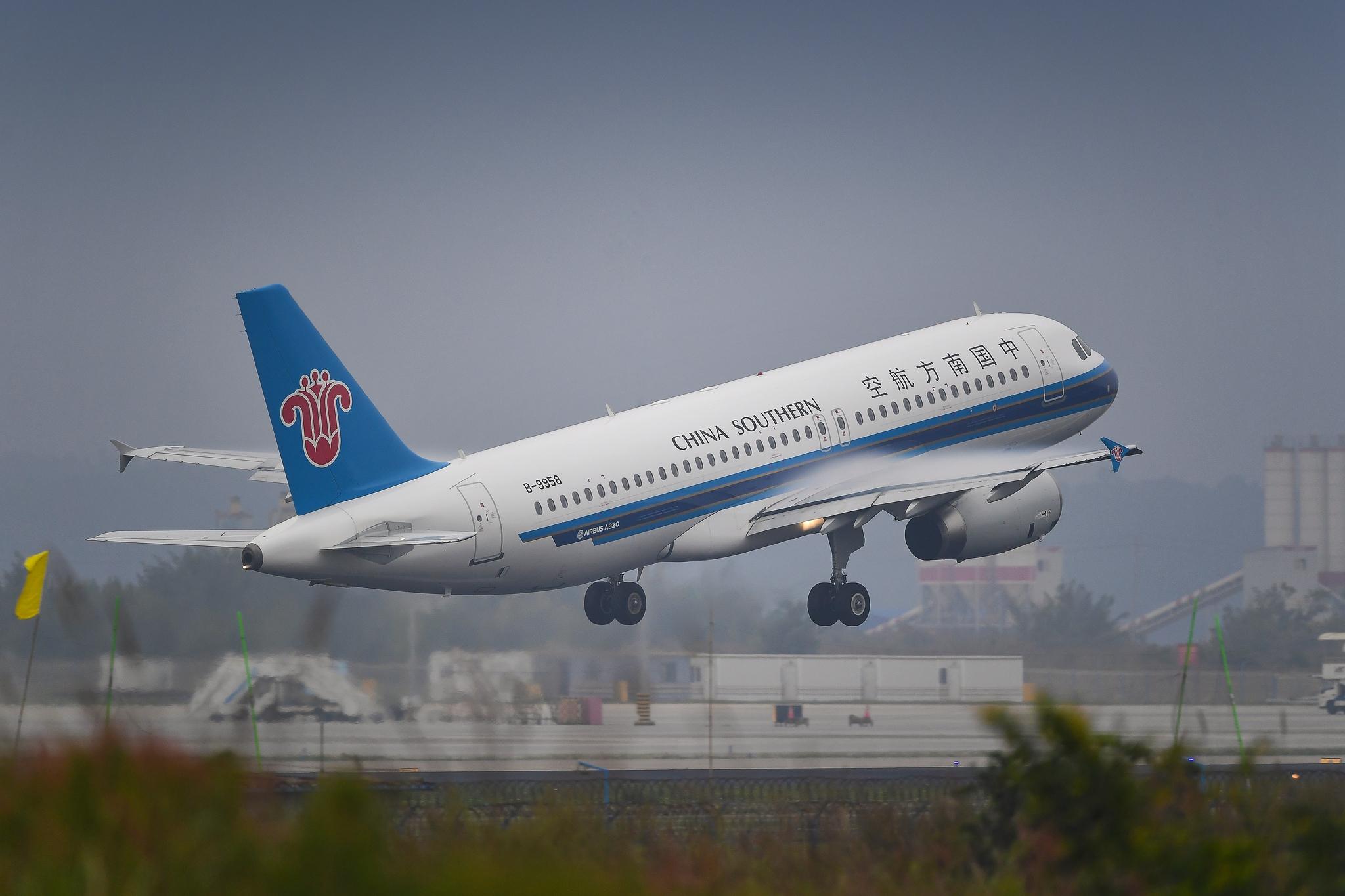 Re:[原创]【KMG】风雨潇潇 有你就好 AIRBUS A320-200 B-9958 中国昆明长水国际机场