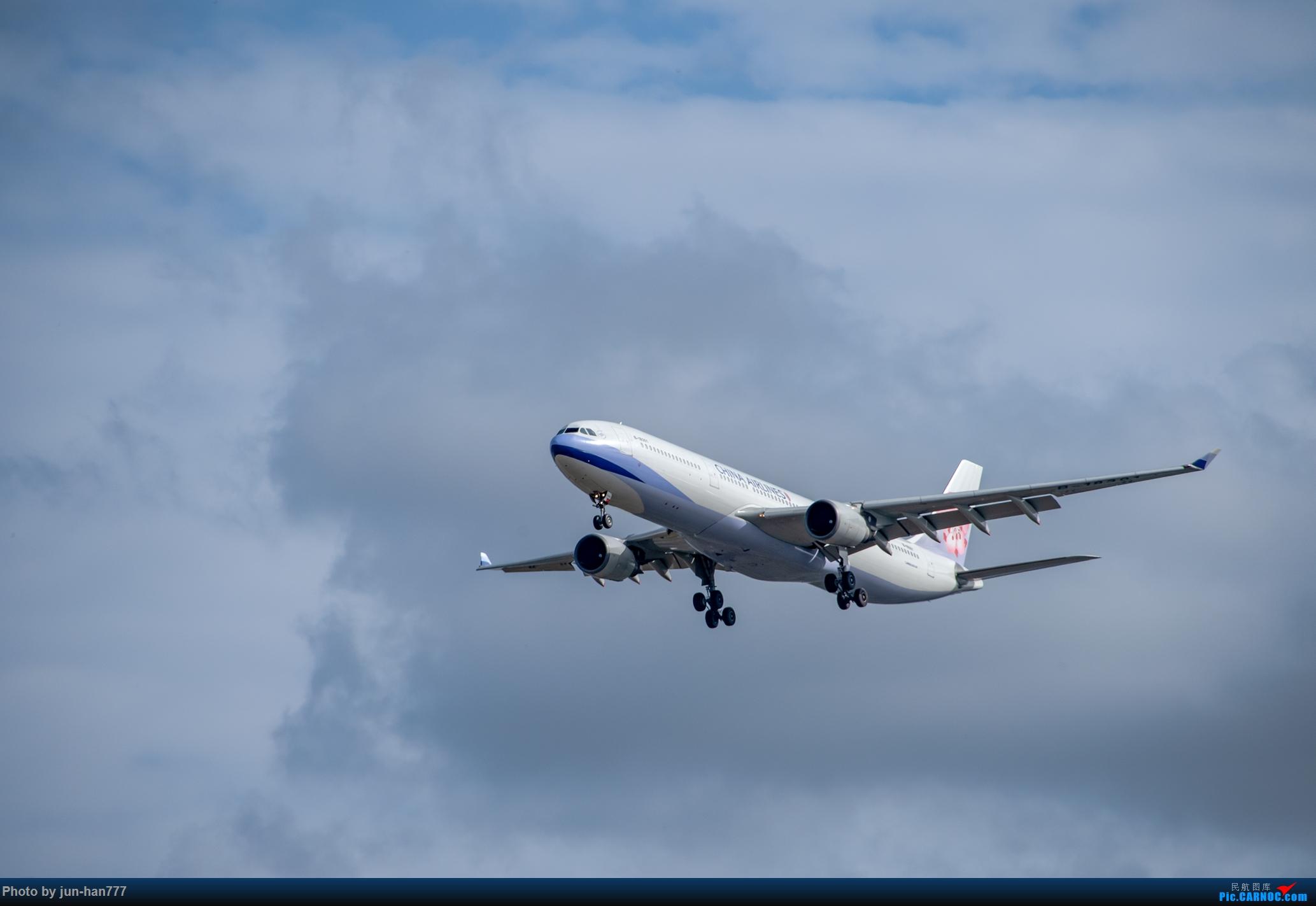 华航18301 AIRBUS A330-300 B-18301